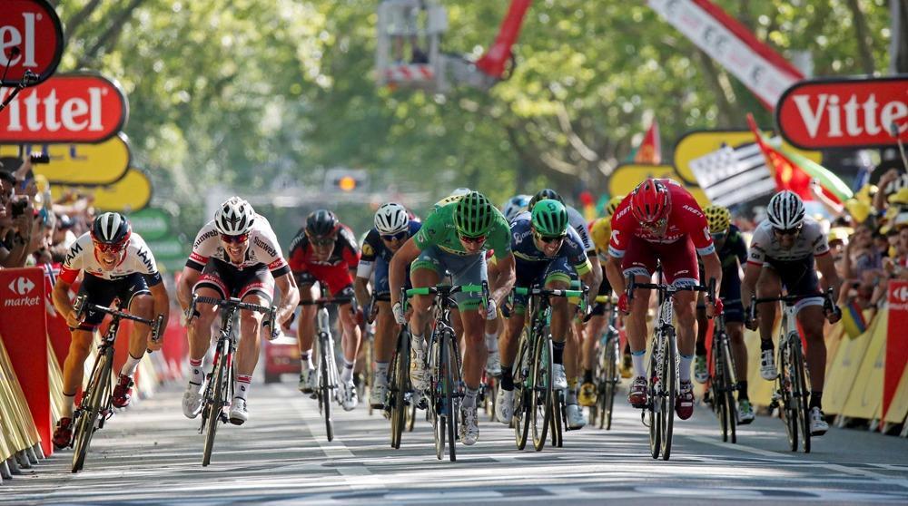 طواف فرنسا,فرنسا,دراجات,طواف فرنسا للدراجات,سباق فرنسا للدراجات,قناة,حوادث الدراجات,طواف,الهوائية,سباق,سباق الدراجات,طواف فرنسا 2018,رياضة,سباق الدرجات,سباق طواف فرنسا,طواف دبي 2018 المرحلة 3,ما وراء الجدران,ماوراء الجدران,أول دراج,سباق فرنسا