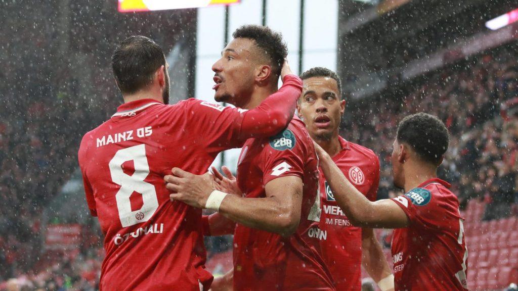 ماينز,ماينز 05,تشكيلة ماينز,تشكيلة ماينز 05,تشكيلة ماينز 05 في الدوري الألماني,تشكيلة ماينز في الدوري الألماني,تشكيلة ماينز 05 أمام اينتراخت فرانكفورت,تشكيلة الرسمية ماينز 05,تشكيلة الرسمية ماينز