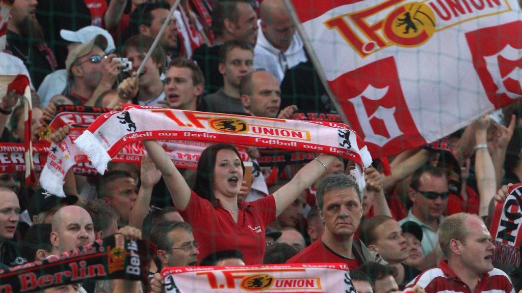 يفوز على يونيون برلين 4 0,شالكه يفوز على يونيون برلين ٤ ٠,موعد مباراة شالكه ويونيون برلين,تشكيلة يونيون برلين,تشكيلة,تشكيلة يونيون برلين في الدوري الألماني ,يونيون برلين